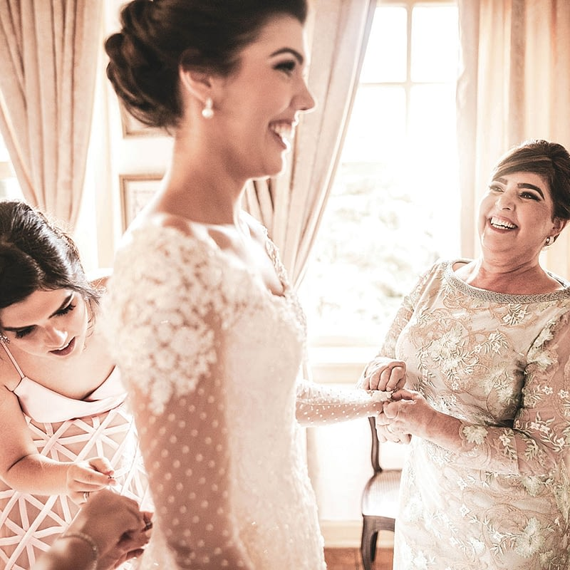 mothers dress with bride